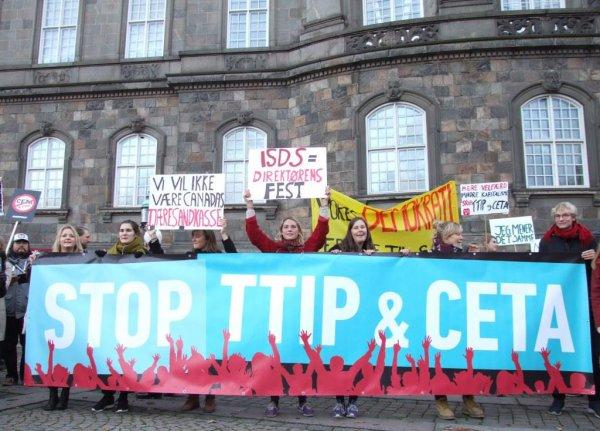5000 deltog i Danmarks hidtil største protest mod handelsaftalerne CTA og TTIP.